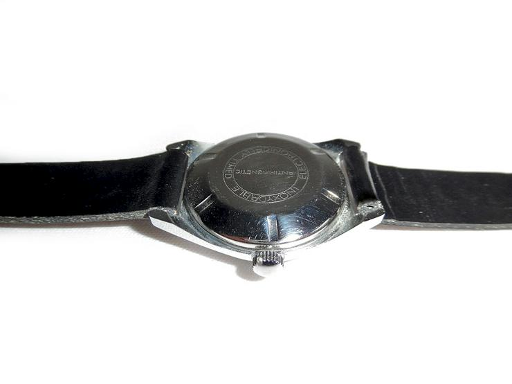 Bild 5: Elegante Armbanduhr von Ruhla