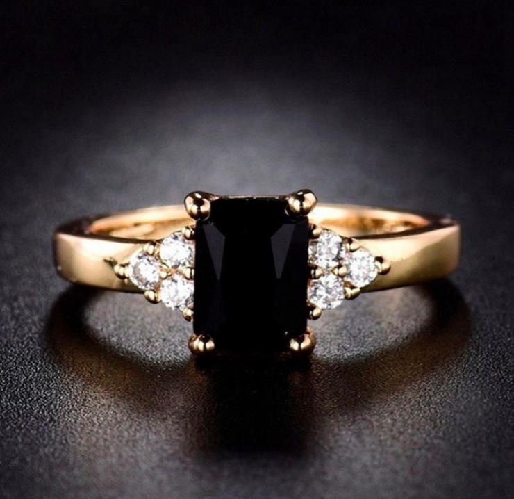 Faszinierender 14K Gelbgold Prinzess Cut Ring, Schwarzer Onyx