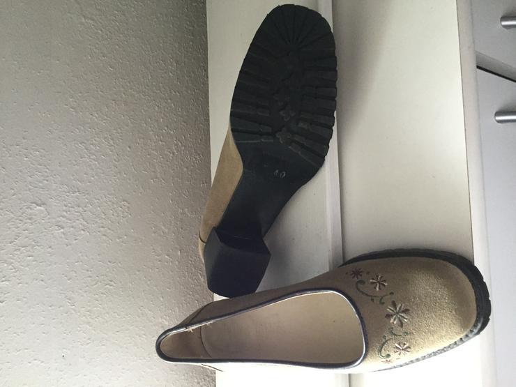 Bild 2: Schuhe Landhausstil