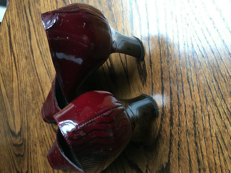 Bild 2: Extravaganter italienischer Pumps bordeaux/schwarz Gr. (35)36 kaum getragen