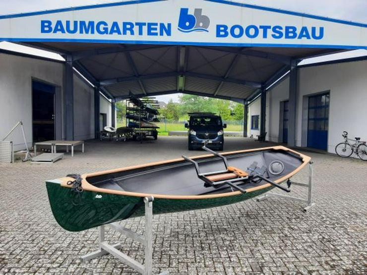 Traditional Trainer Einer Ruderboot mit Rollsitzen