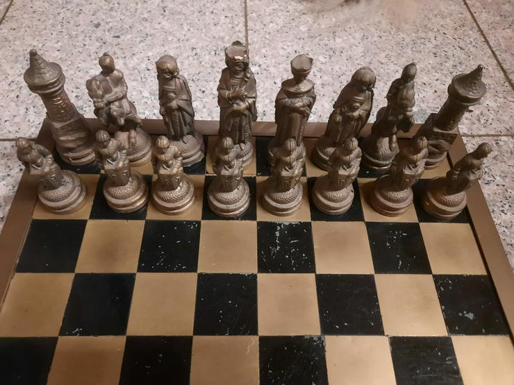 Bild 2: Schachfiguren aus Bronze - RARITÄT
