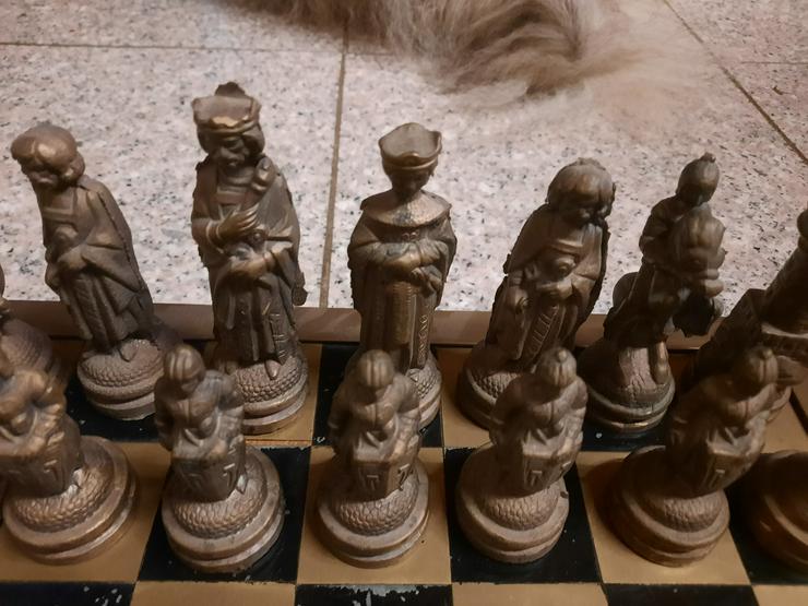 Bild 8: Schachfiguren aus Bronze - RARITÄT