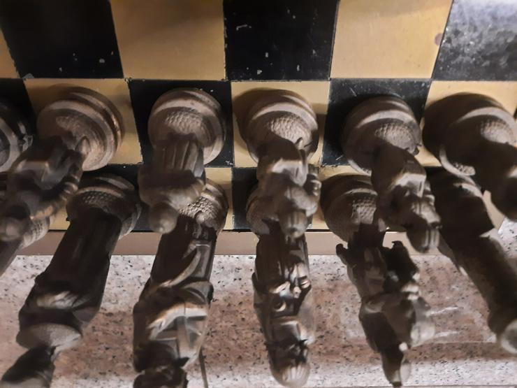 Bild 5: Schachfiguren aus Bronze - RARITÄT