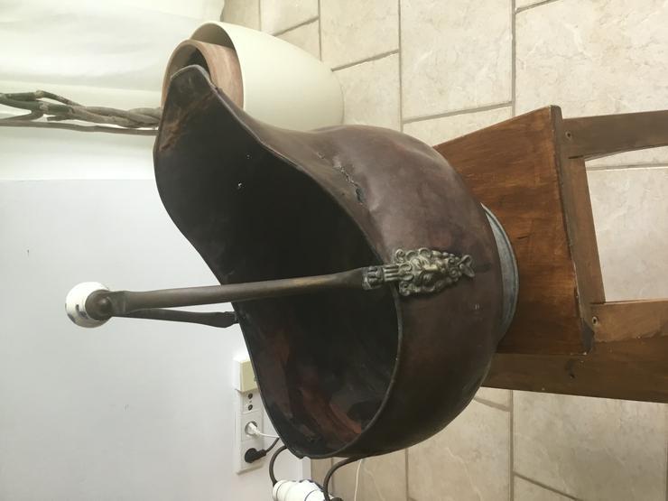 Bild 3: Alte Kohleschütter