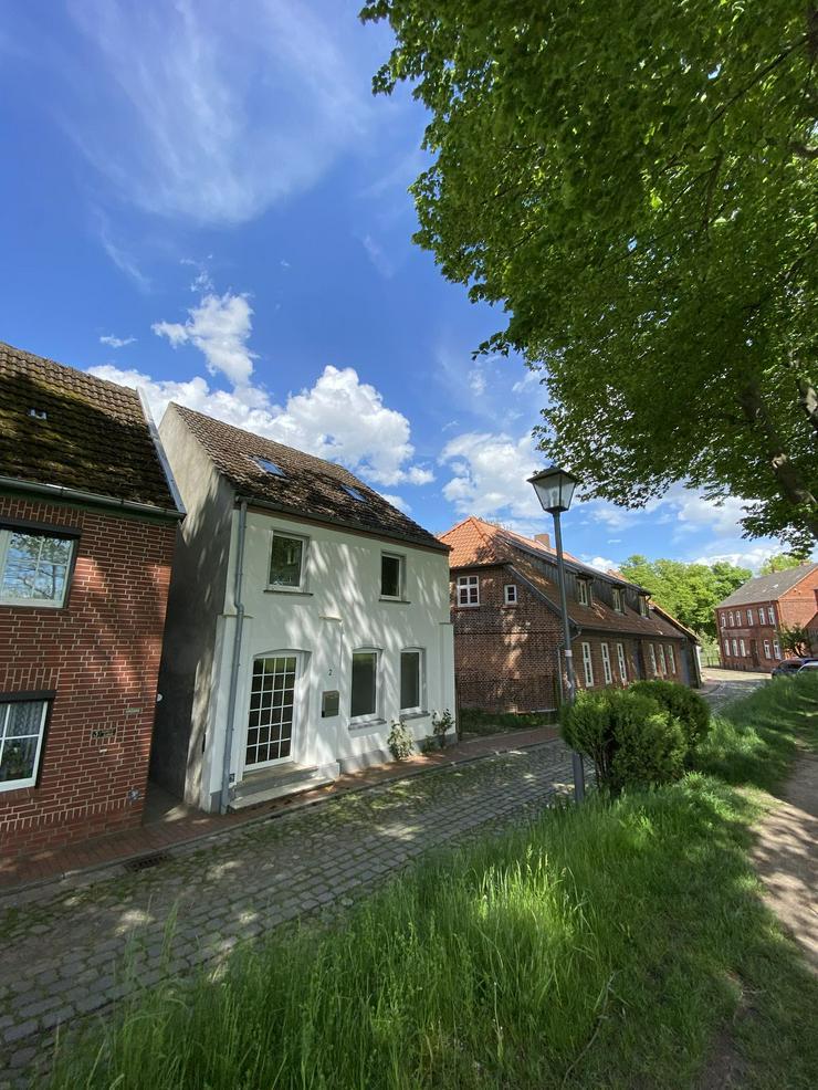 Bild 4: Dömitz/Elbe - Historisches Bürgerhaus anno1840, 250 m Luftlinie von der Elbe entfernt