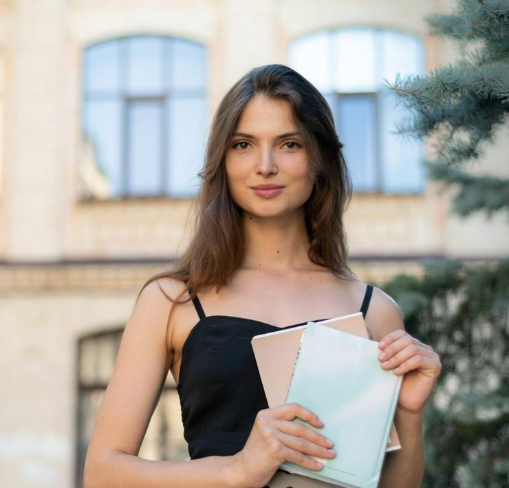 Russische Studentin gibt Unterricht