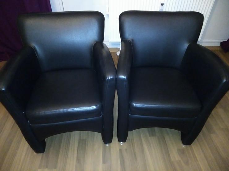 Gut gemachte Lederimitat Couch mit zwei Sesseln