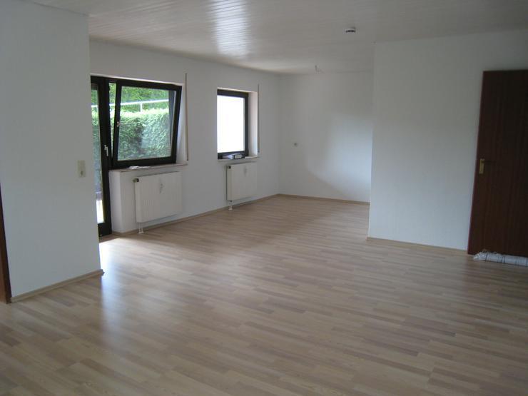 3,5-Zimmer-Wohnung mit 2 Terrassen und Stellplatz