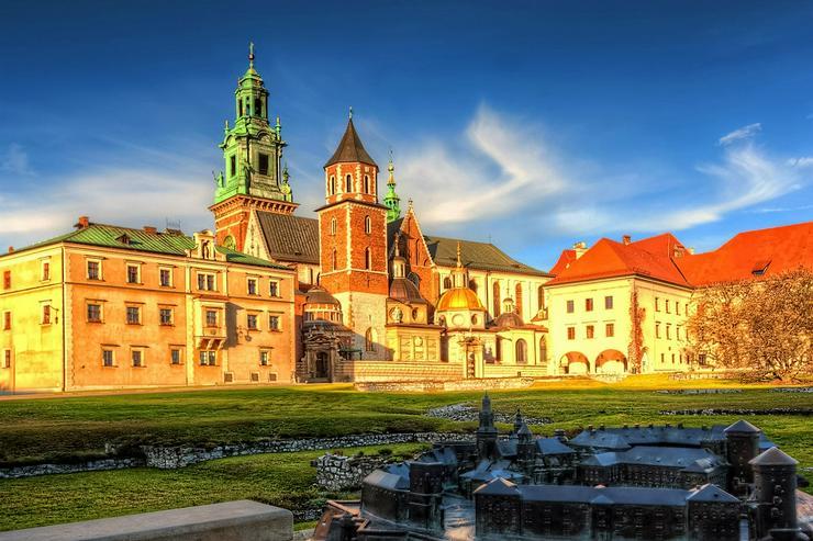 Treten Sie mit Rosotravel in die Welt des Wawel-Schlosses ein