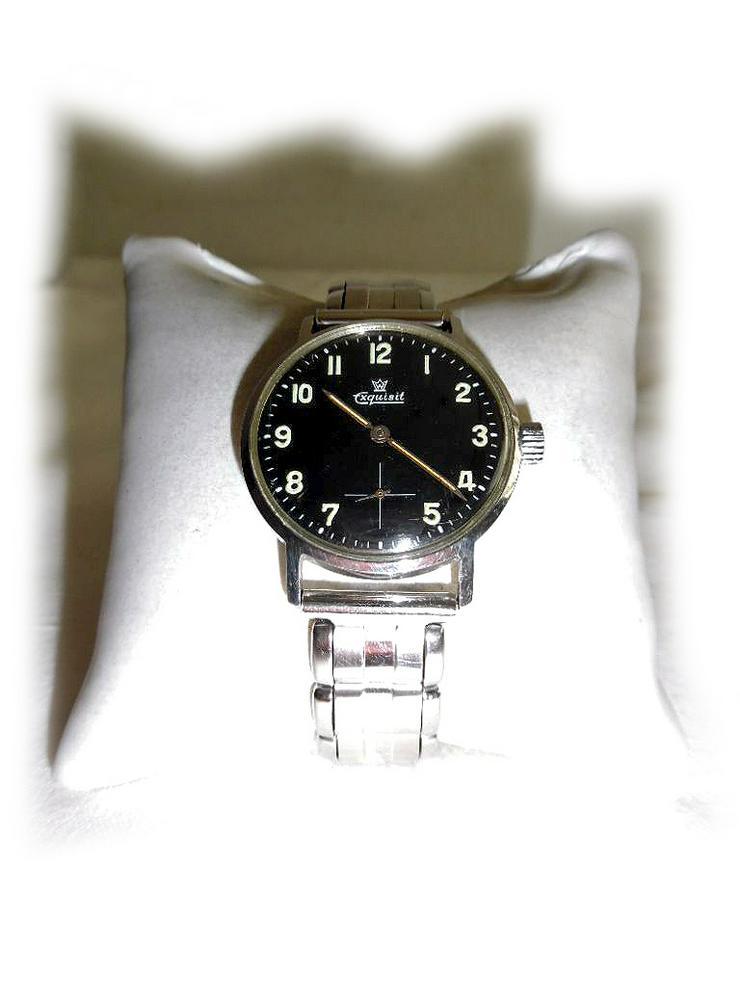 Schöne Armbanduhr von Exquisit