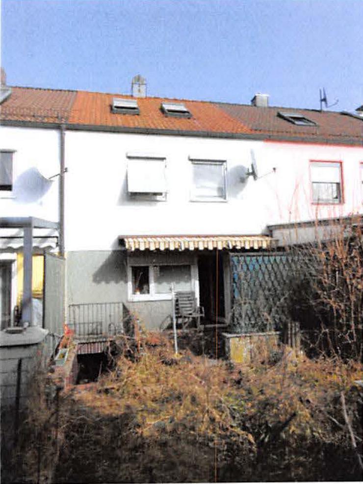 Bild 6: Reihenmittelhaus mit Garage in Wendelstein, Bj. 1996, Renovierungsbedürftig