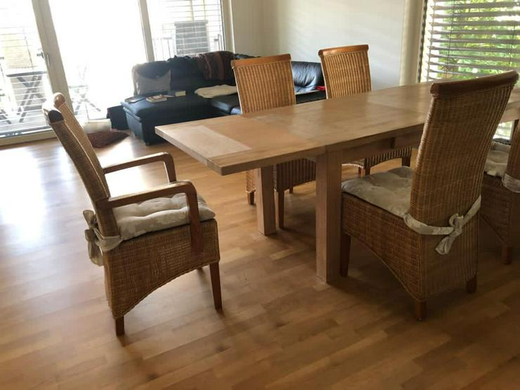 Esstisch mit 10 Stühlen