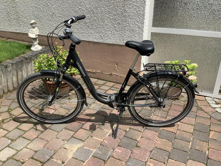 Bild 2: 2 identische.Citybikes, schwarz u.weiß, Tiefeinstieg