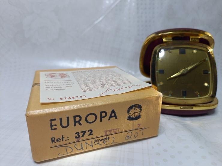 Mechanischer Reisewecker Europa Juwels 372, rot, mit Etui & Box