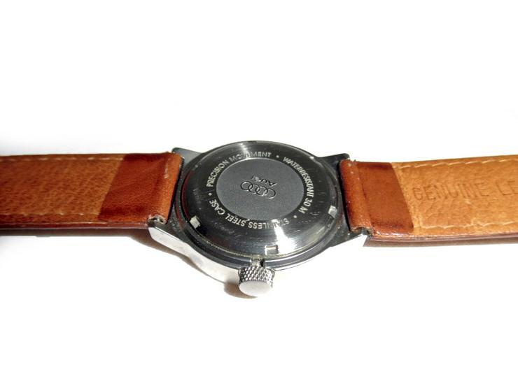 Bild 5: Sportliche Armbanduhr von Audi