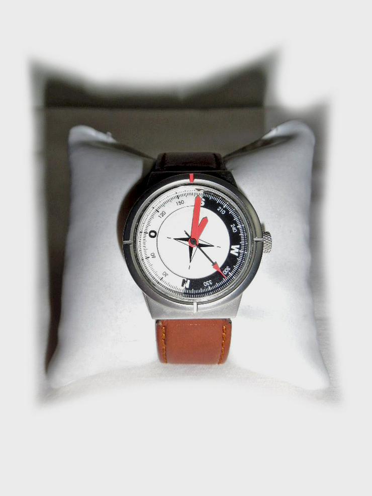 Sportliche Armbanduhr von Audi