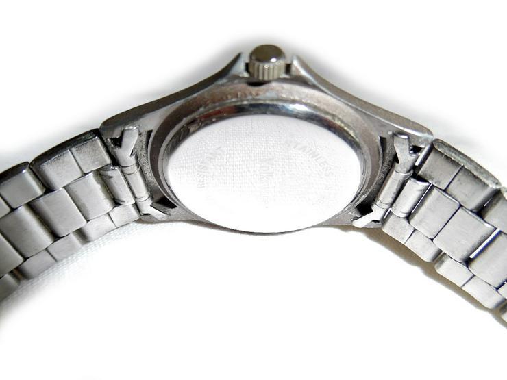 Bild 4: Sportliche Armbanduhr von Vokswagen