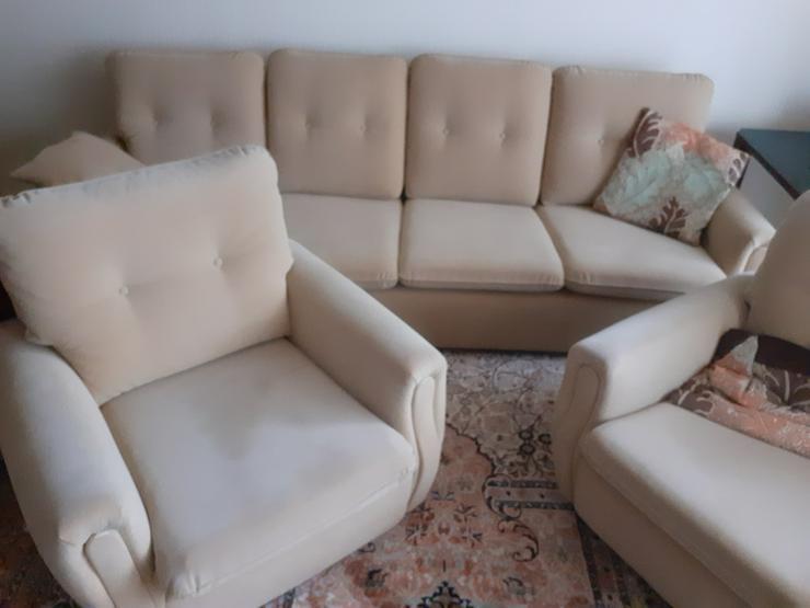 Couch und zwei Sessel zu verschenken