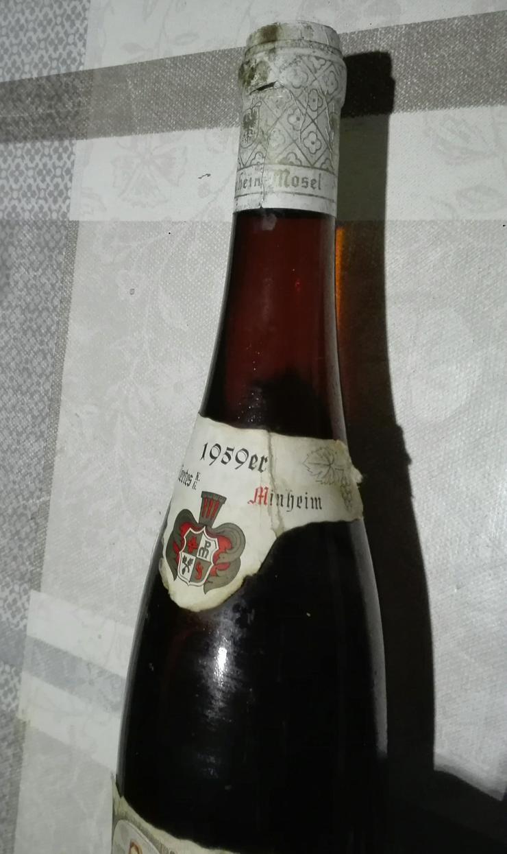 Bild 3: Weinflasche 1959 Liebfraumilch