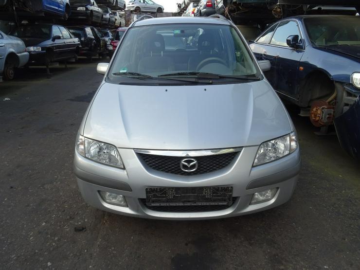 Schlachtfest Mazda Premacy   210039