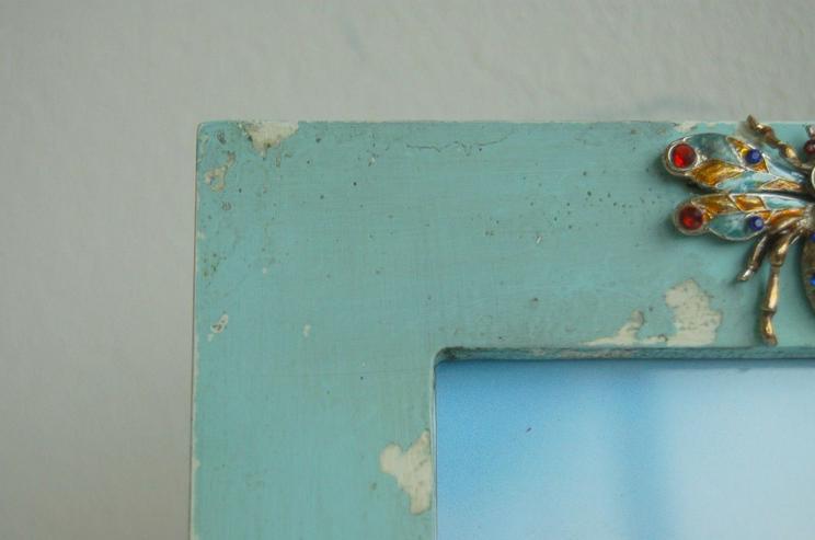 Bild 2: Shabby chic Bilderrahmen in der Farbe aqua mit Käfer Verzierung
