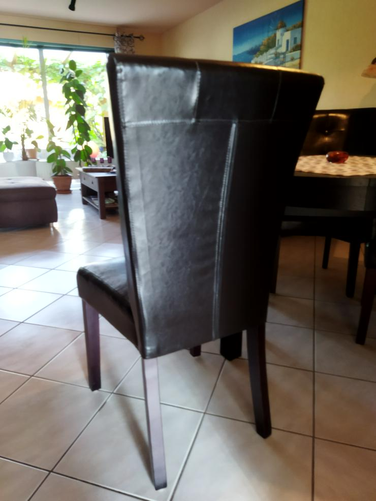 6 Esszimmer-Stühle. Kunstleder