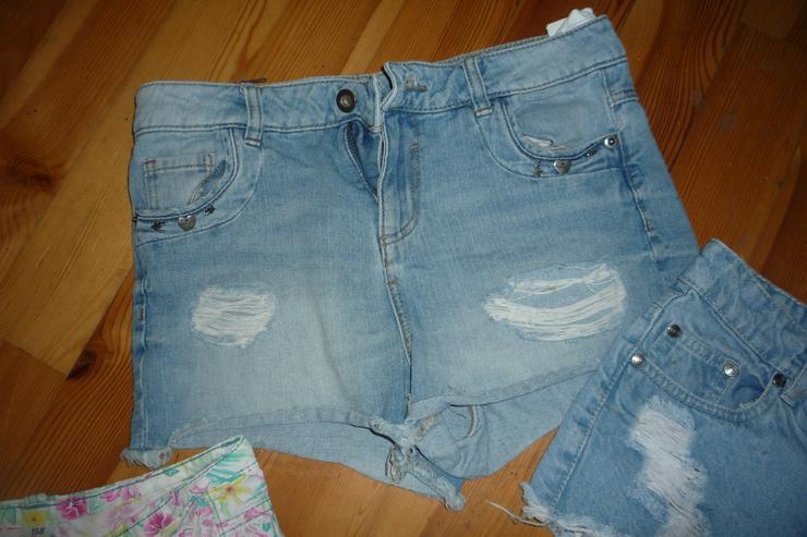 Bild 3: 3 Shorts Gr. 152/158