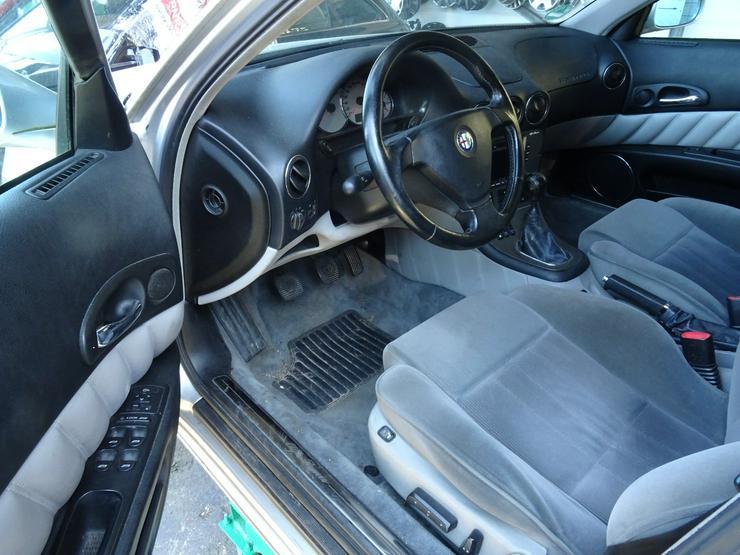 Bild 6: Schlachtfest Alfa Romeo       210065