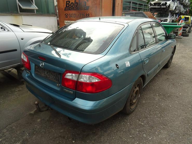 Bild 4: Schlachtfest Mazda 626 210071