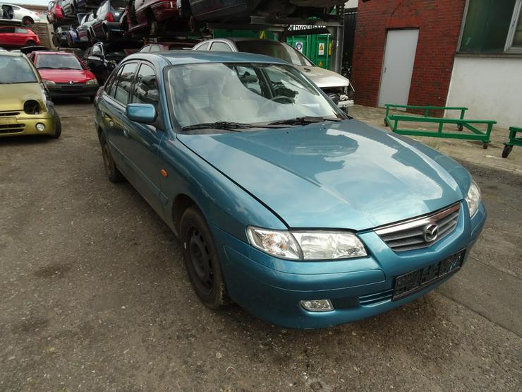 Bild 2: Schlachtfest Mazda 626 210071