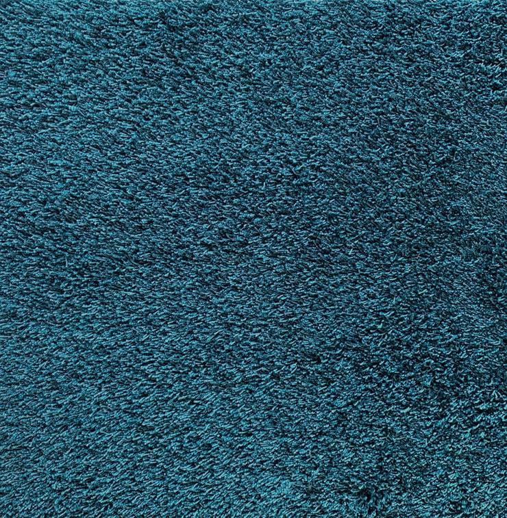 Schöne hochflorige blaue Teppichfliesen von Interface