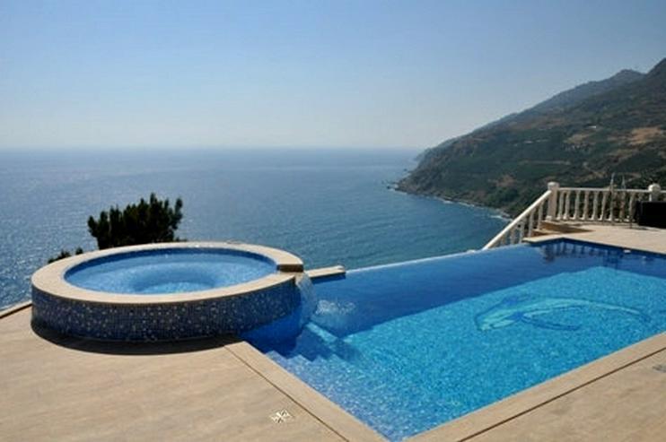 Türkei, Alanya. Villa direkt am Meer. 1000 m² Grundst, 548
