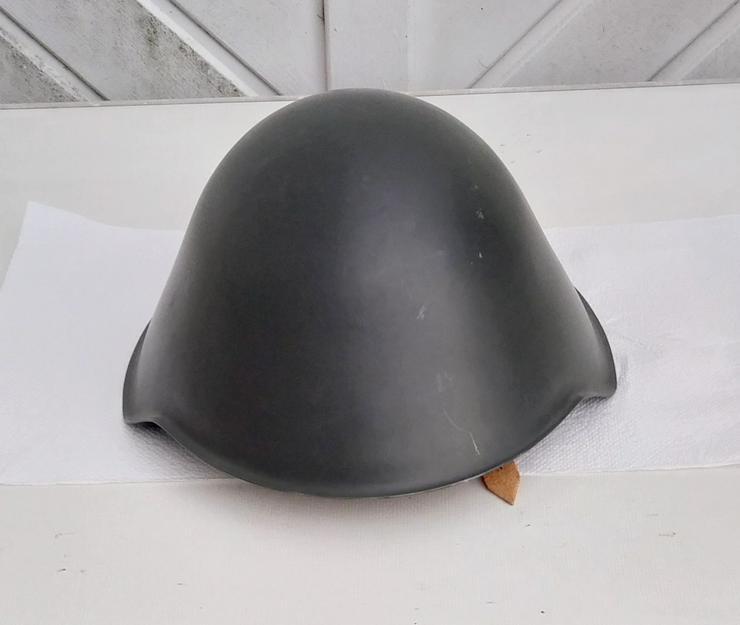 NVA Stahlhelm - 1a Zustand