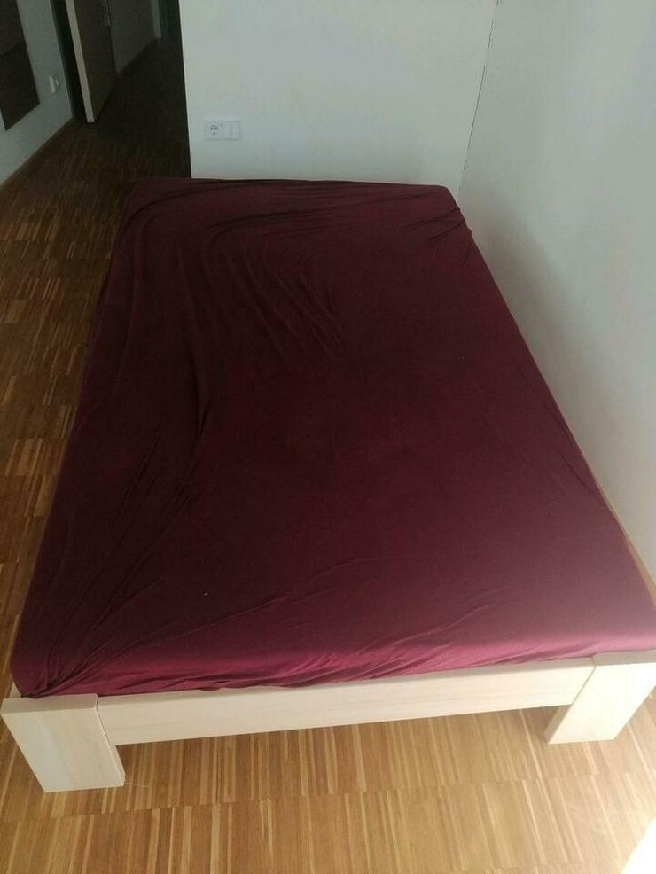 Bett 120x200; zu verschenken.