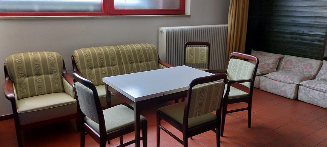 Sofa und Tisch Set