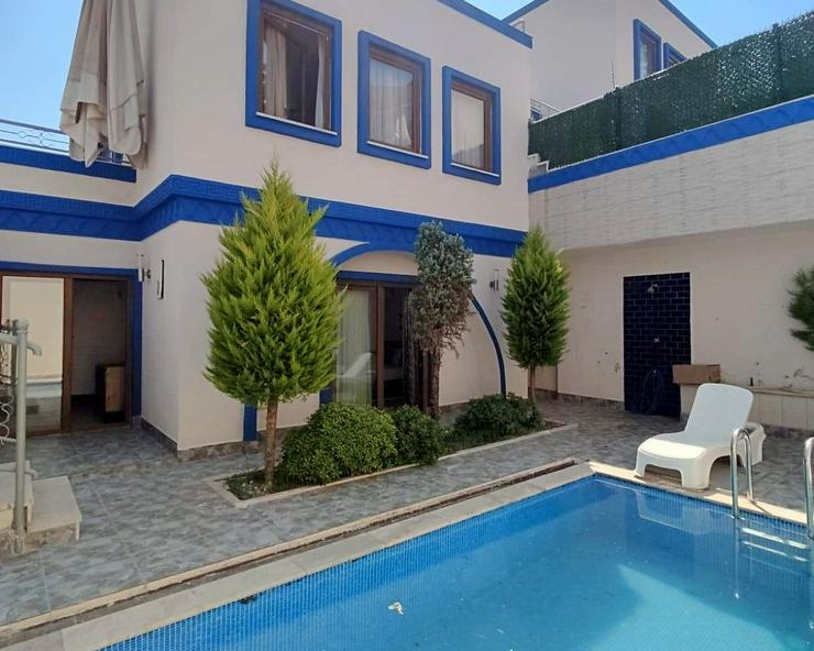Kleines Paradies zum kleinen Preis. Villa mit privatem Pool. 544