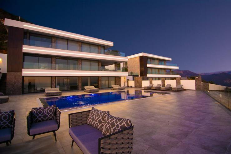 8 Zi, Villa, 830 m² Grundst. Panorama-Meerblick.449