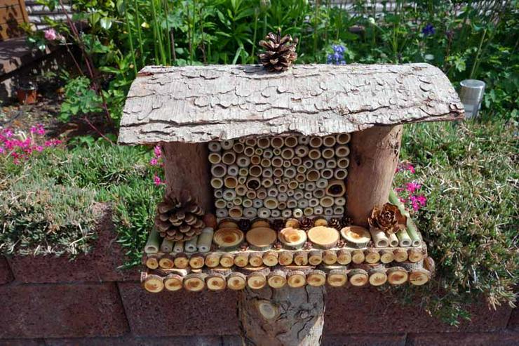 Dekoratives Insektenhotel, Handgefertigt