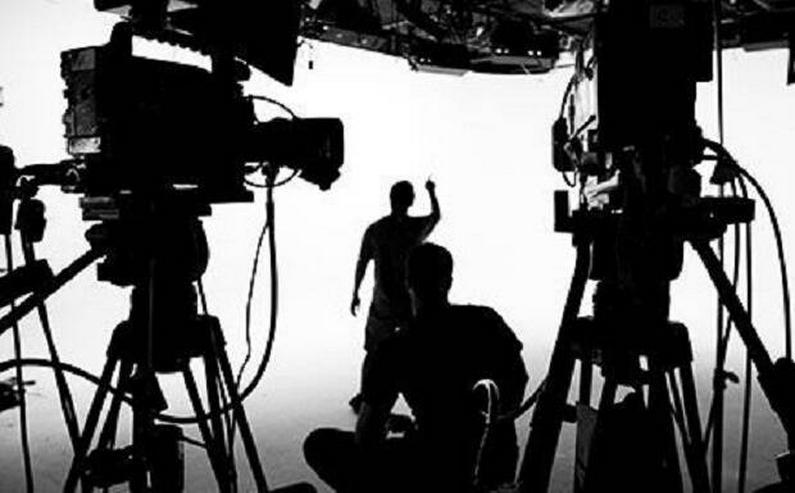Dringend nach Schauspielern und Schauspielerin für Filmdrehs suchen x