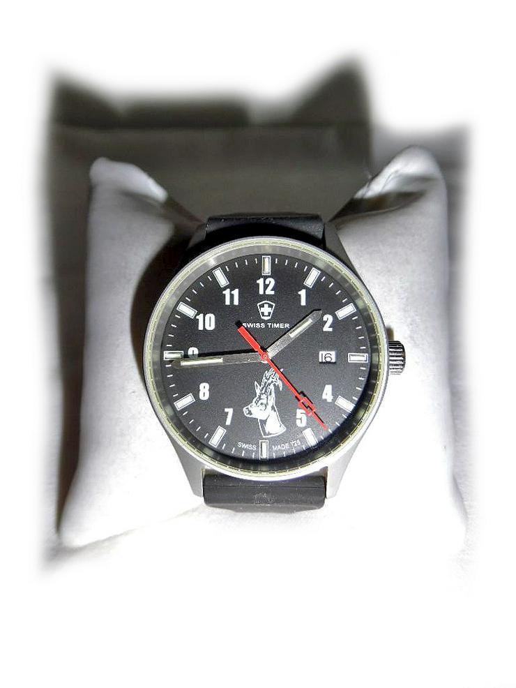 Große Armbanduhr von Swiss Timer