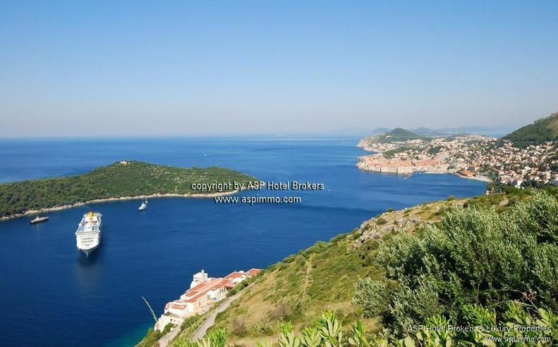 Preisreduktion Dubrovnik! 50.000 qm großes Baugrundstück (auch teilbar) mit langer Küst... - Grundstück kaufen - Bild 1