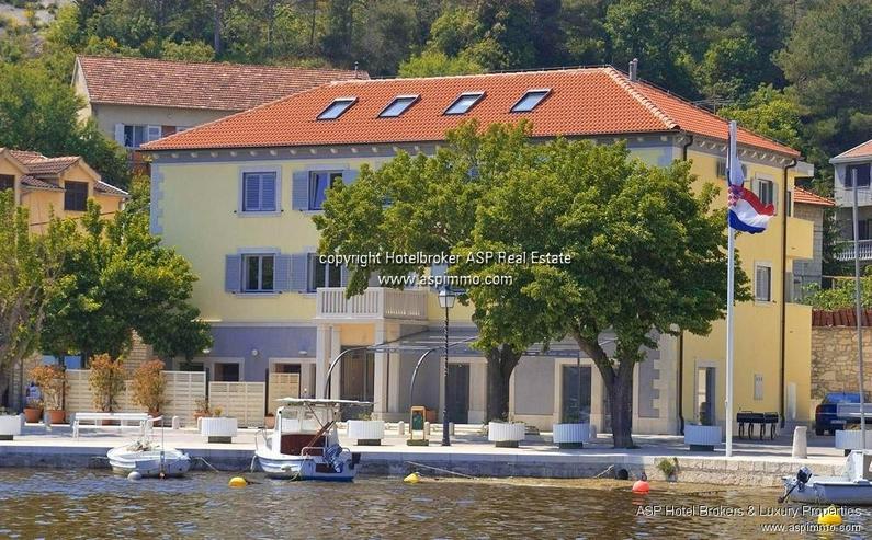 Neuwertiges kleineres Design Hotel im Hafen von Zaton, der schönsten Bucht Kroatiens / Da...