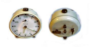 Wei�er Wecker v Kienzle 50er Jahre - Uhren - Bild 1