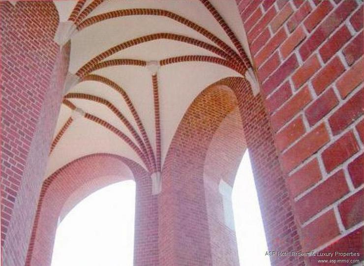 Bild 4: Wahrzeichen in Breslau zu kaufen! Historischer Wasserturm mit 2.000 qm Wohnfläche, Café,...