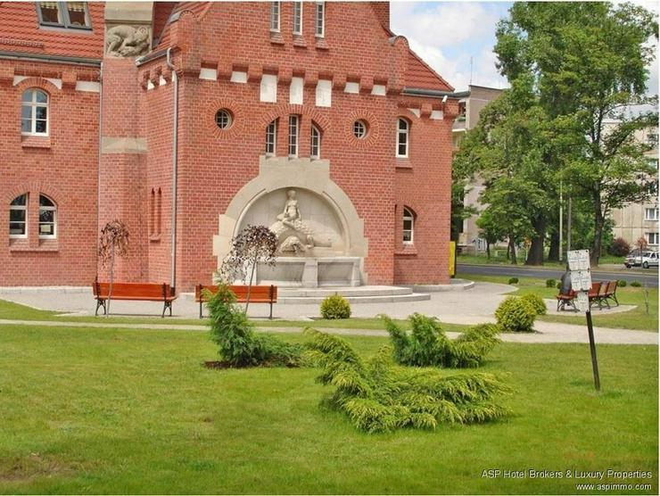 Bild 3: Wahrzeichen in Breslau zu kaufen! Historischer Wasserturm mit 2.000 qm Wohnfläche, Café,...