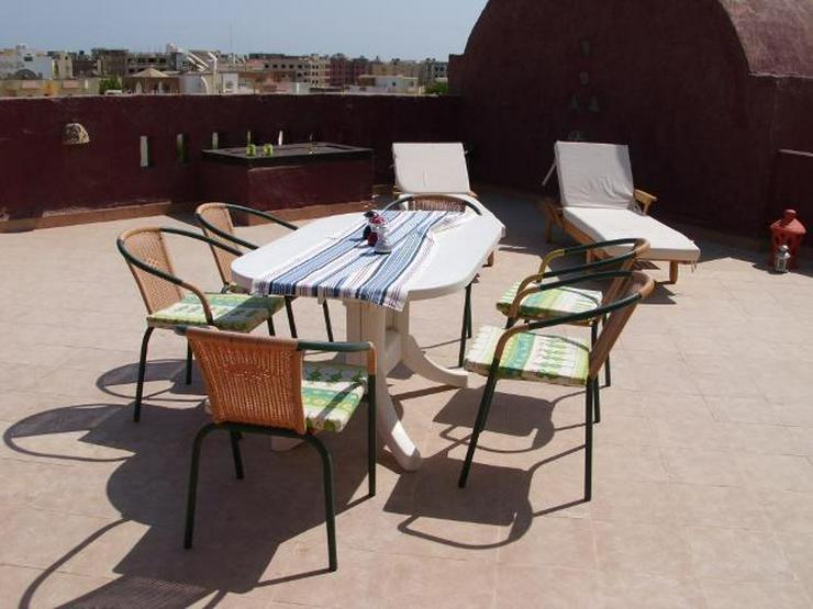 Bild 2: Schnuckelige 2 Zimmerwohnung mit Pool und privater Dachterrasse