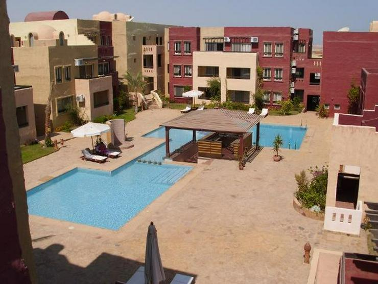 Schnuckelige 2 Zimmerwohnung mit Pool und privater Dachterrasse