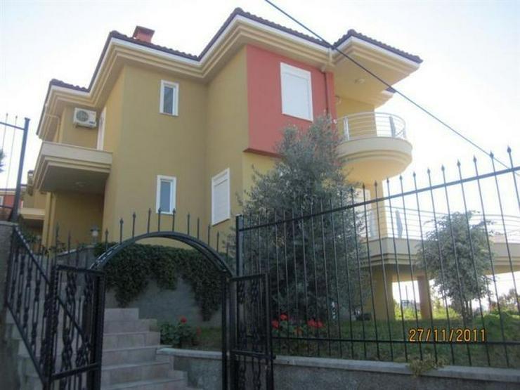 Bild 2: Große Villa mit wunderschönem Ausblick