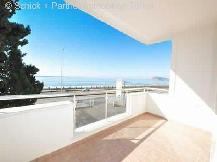Sehr schönes Appartement direkt am Meer mit Bergblick - Wohnung kaufen - Bild 1
